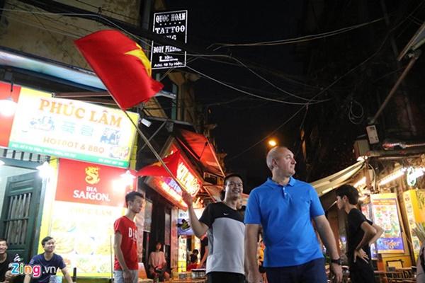 Người hâm mộ Việt Nam thở phào sau khi hòa Thái 0 - 0-41