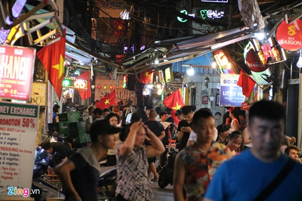 Người hâm mộ Việt Nam thở phào sau khi hòa Thái 0 - 0-43