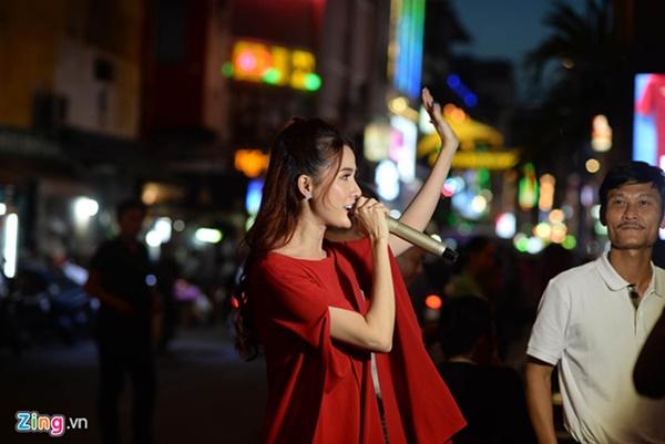 Người hâm mộ Việt Nam thở phào sau khi hòa Thái 0 - 0-48