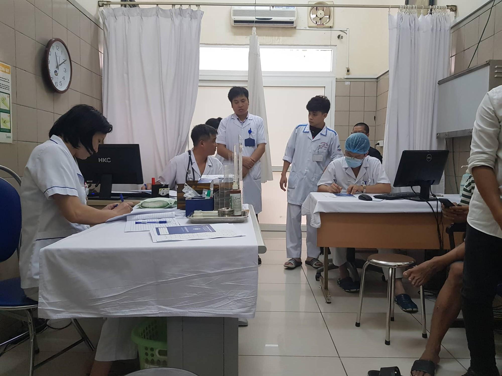 Vụ cháy Công ty bóng đèn phích nước Rạng Đông: Tổ chức khám sức khỏe miễn phí tại khu vực bán kính 500m theo yêu cầu của người dân-2