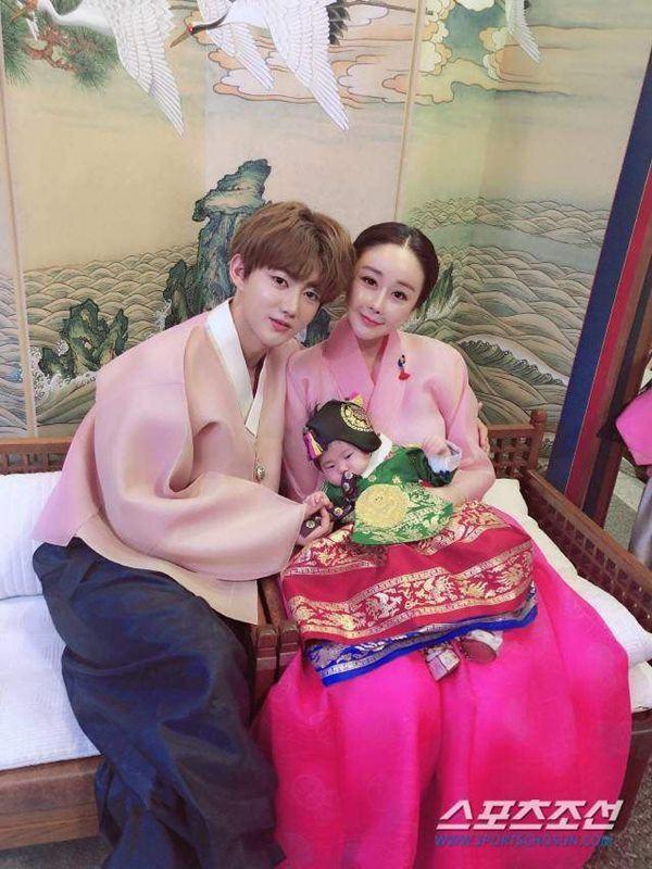 Hoa hậu Hàn lấy chồng đáng tuổi cháu, mỗi tháng được cho 20 triệu chồng vẫn khóc đòi ly hôn-4