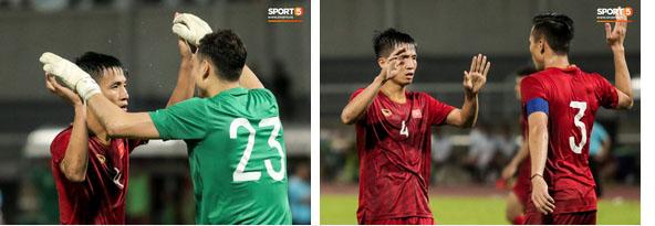 Công Phượng trò chuyện, nắm chặt tay Messi Thái Lan trước những cái nhìn kỳ lạ của đồng đội-13