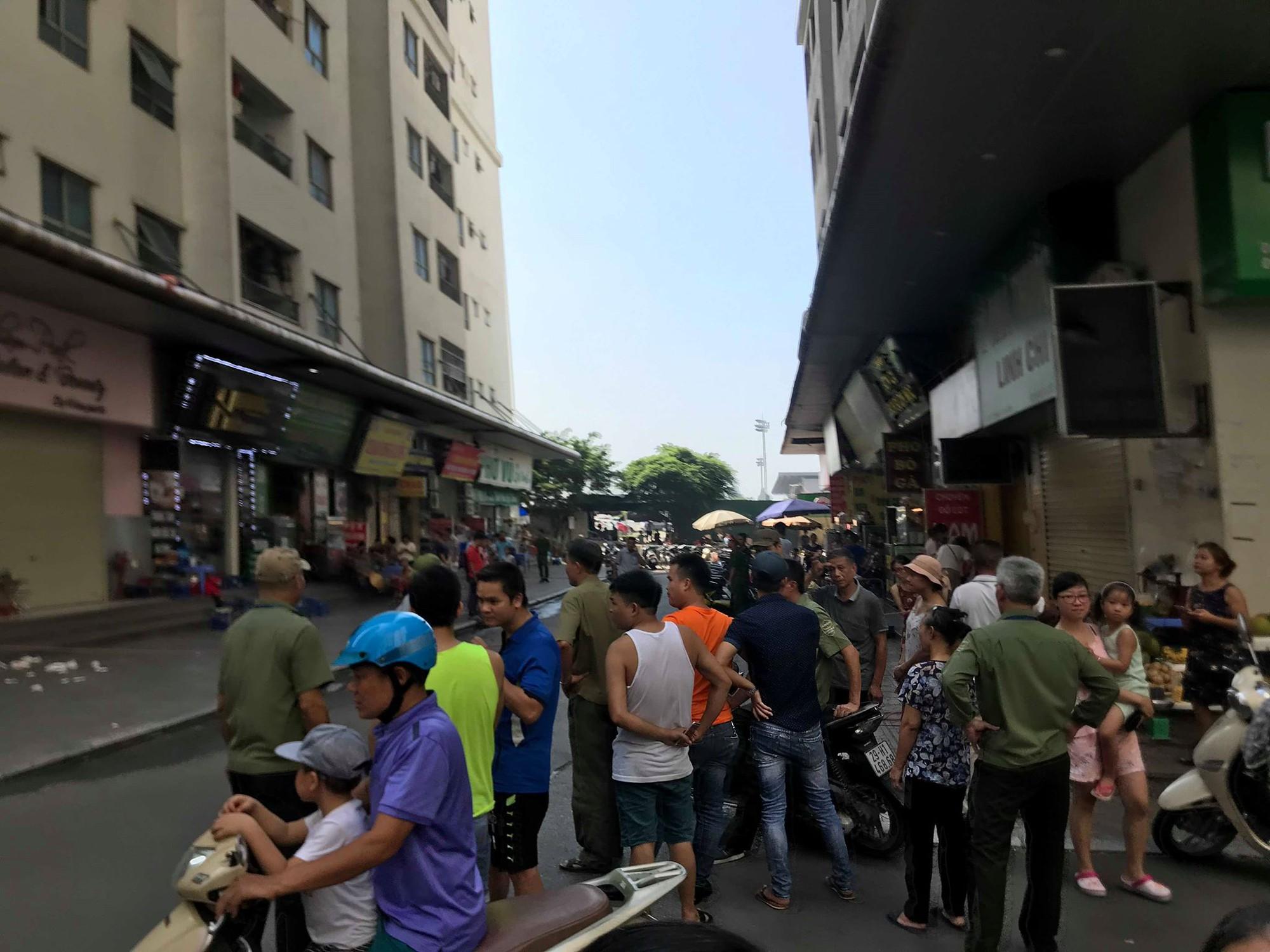 Tiếng nổ lớn lại chung cư HH Linh Đàm, 3 người bị thương nghi sau khi mở hộp quà-1