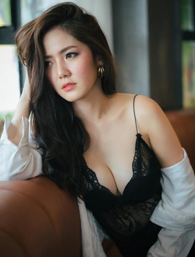 Hot girl quyến rũ bậc nhất Thái Lan mặc áo dây đẹp thứ 2 thì ít ai tranh số 1-2