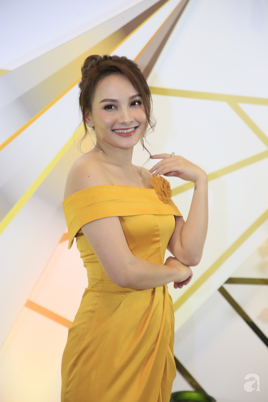 Thảm đỏ VTV Awards 2019: Quốc Trường cực bảnh bao bên Bảo Thanh, bố Sơn Trung Anh lại sánh đôi cùng tiểu tam Quỳnh Nga-3