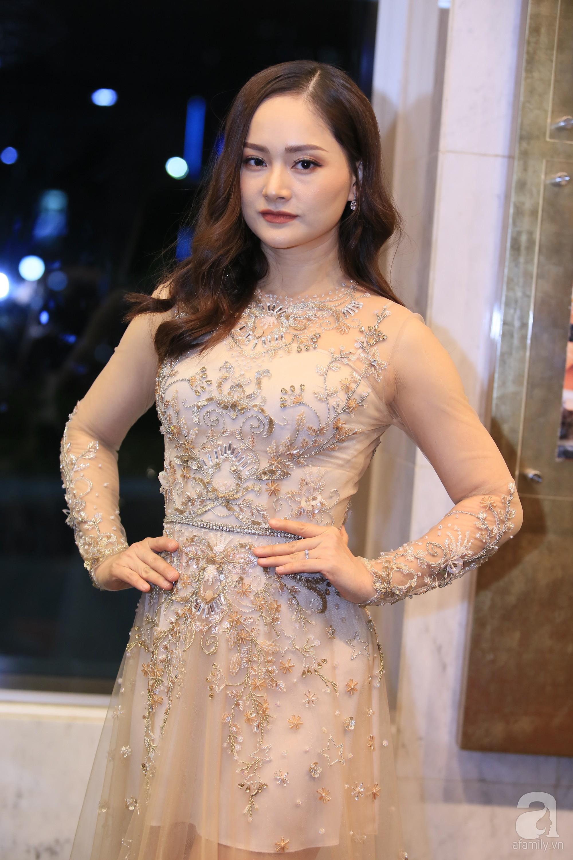 Hết hồn với gương mặt bóng nhẫy, lỗi mốt của loạt mỹ nhân Việt trên thảm đỏ VTV Awards 2019-7