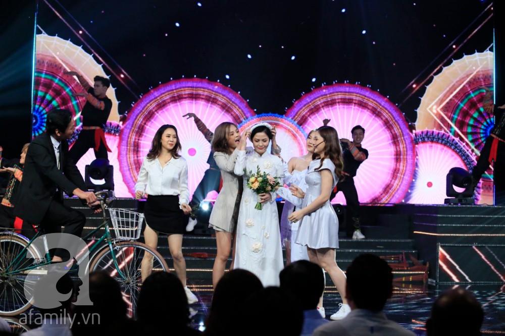 """Bố Sơn - cô Hạnh Về nhà đi con"""" chính thức được tổ chức đám cưới ngay tại VTV Awards 2019-2"""