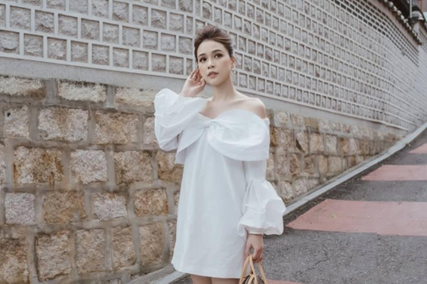 Diện váy trắng yêu kiều và sang chảnh, Sam dạo chơi trên đường phố Hàn Quốc khiến ai cũng ngoái nhìn-5