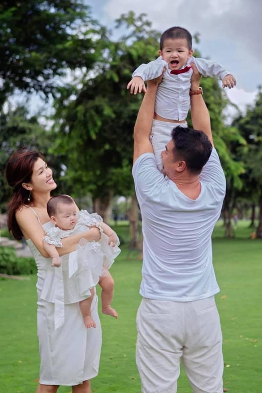 Khó ai địch lại Hoa hậu Hồ Oanh Yến: Sinh 5 con vẫn đẹp xuất sắc-2