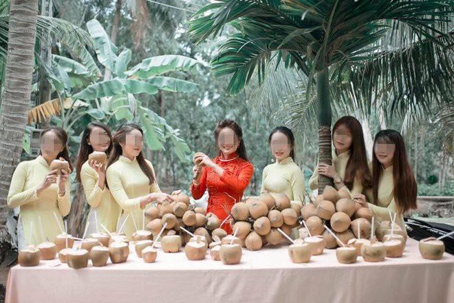 Cưới vợ Bến Tre, chú rể phải uống hết 100 quả dừa mới được vào nhà gái, dân mạng cầu trời may không phải lấy vợ xứ biển - ảnh 1