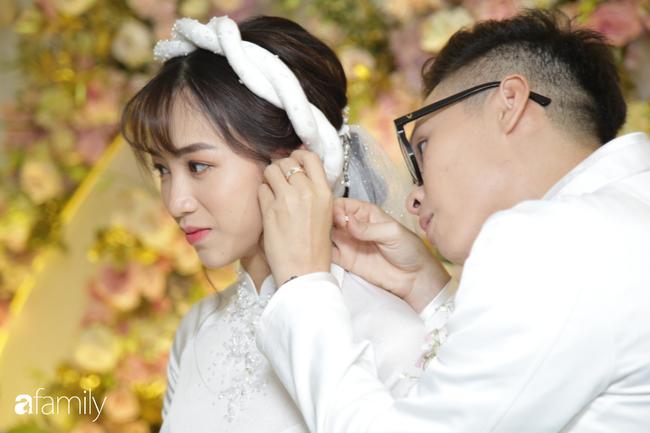 HOT: Toàn cảnh lễ đưa dâu toàn siêu xe hơn 100 tỷ của con gái đại gia Minh Nhựa, quà cưới toàn vàng, kim cương đeo đỏ tay-16