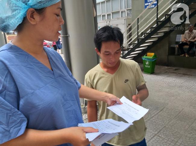 Bố của bé trai 10 tuổi bị người thân chém đứt lìa bàn tay ở Bắc Giang: Giờ tôi chưa dám lại nhìn con-8