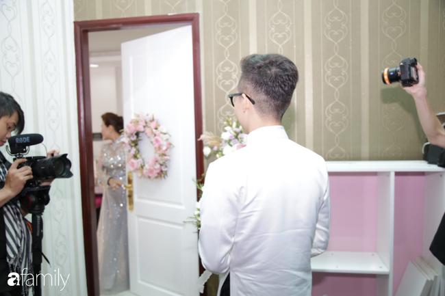 HOT: Toàn cảnh lễ đưa dâu toàn siêu xe hơn 100 tỷ của con gái đại gia Minh Nhựa, quà cưới toàn vàng, kim cương đeo đỏ tay-6