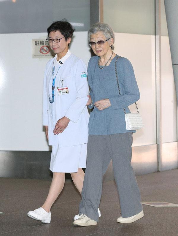 Thông tin mới nhất về tình hình cựu Hoàng hậu Nhật Bản sau khi được chẩn đoán mắc bệnh ung thư vú-1