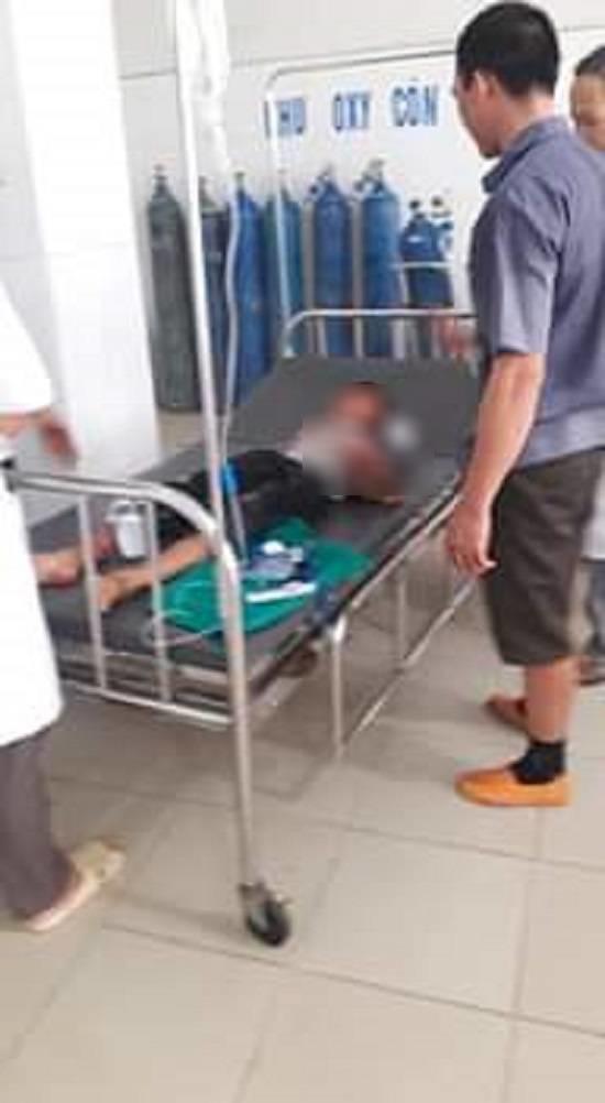 Bé trai bị chú họ dùng dao chém đứt lìa bàn tay: Mắt trái đã bị hỏng hoàn toàn-1