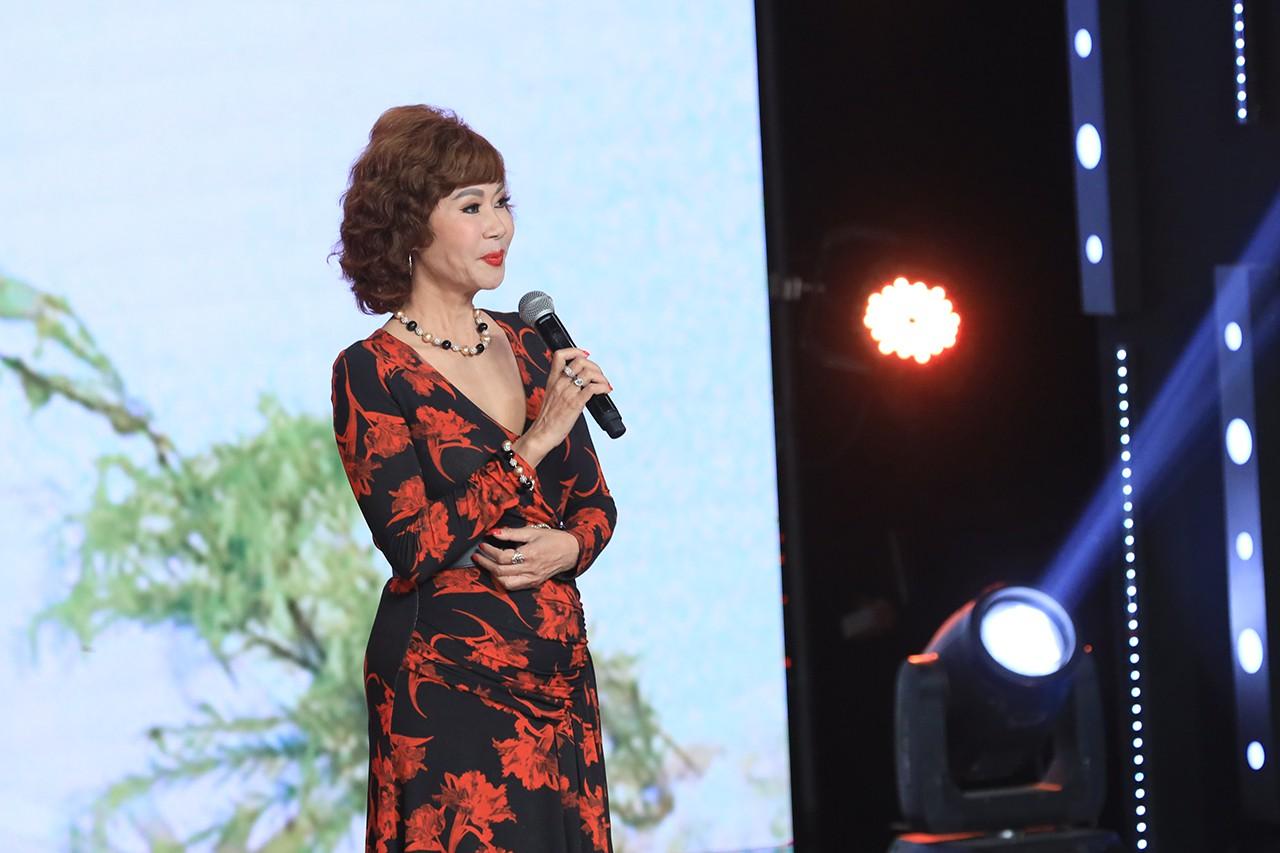 Ký ức vui vẻ: Vỡ òa khi Hoa hậu HTV lần đầu xuất hiện, tiết lộ tuổi thật U60 khiến ai cũng ngỡ ngàng-3