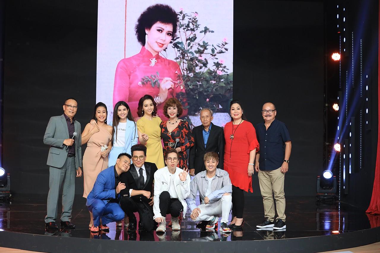 Ký ức vui vẻ: Vỡ òa khi Hoa hậu HTV lần đầu xuất hiện, tiết lộ tuổi thật U60 khiến ai cũng ngỡ ngàng-7