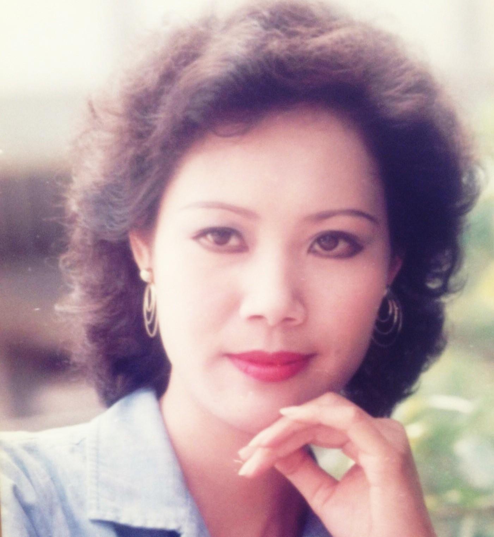Ký ức vui vẻ: Vỡ òa khi Hoa hậu HTV lần đầu xuất hiện, tiết lộ tuổi thật U60 khiến ai cũng ngỡ ngàng-5