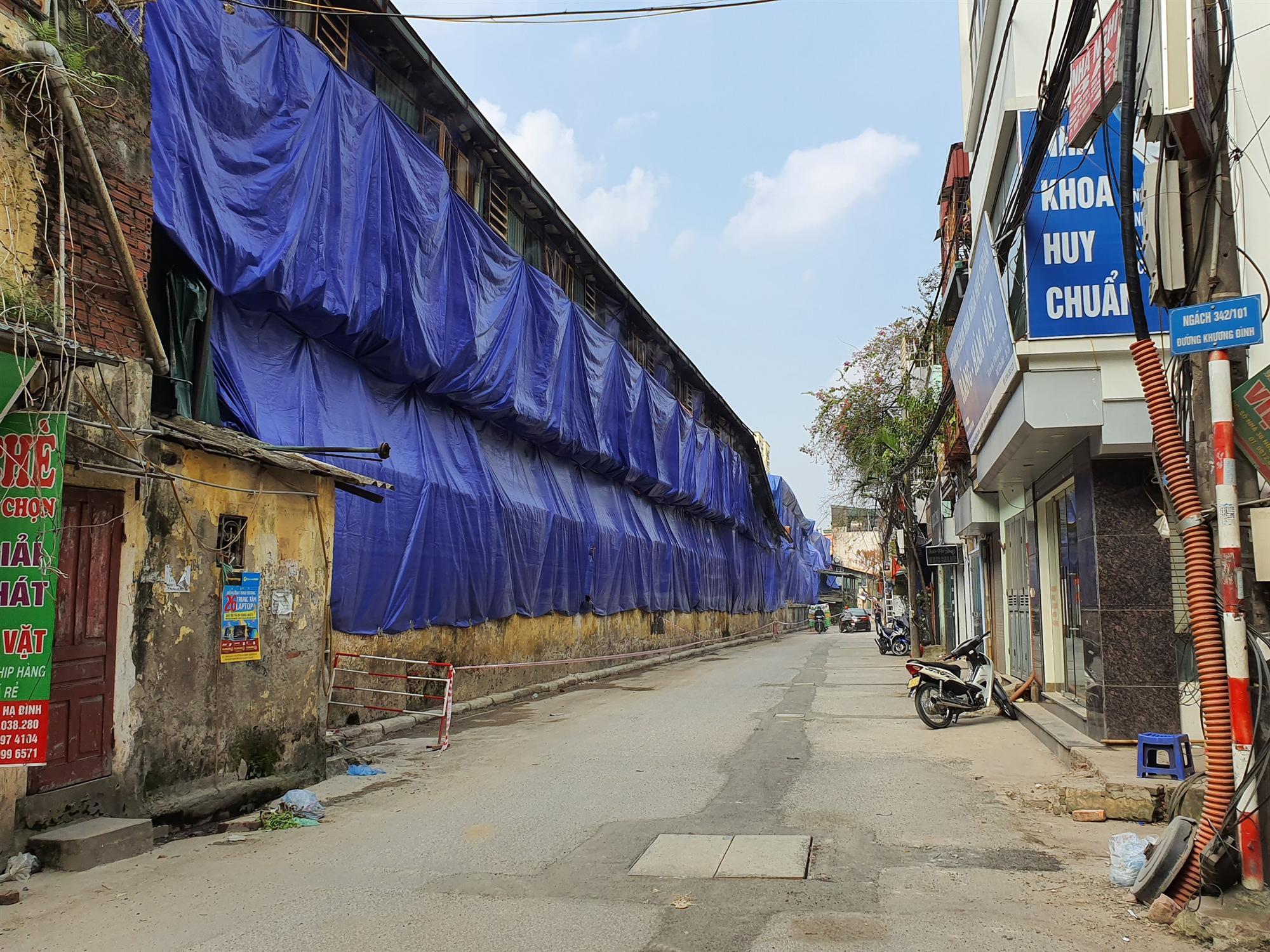 Hàng quán đóng cửa sang nhượng, dân quanh khu Rạng Đông thi nhau bán nhà-9