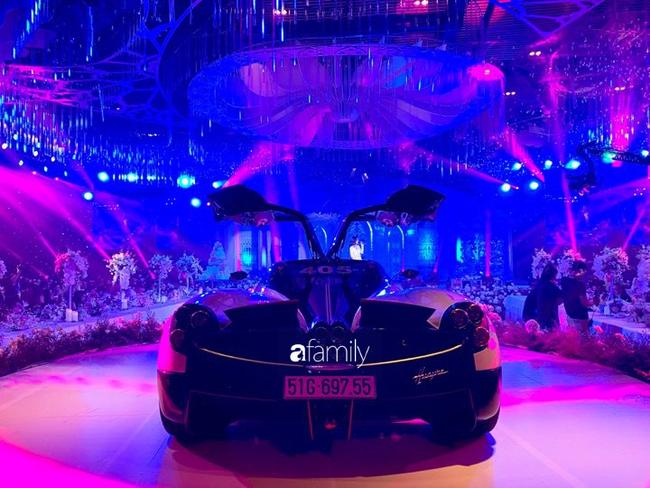 Đại gia Minh Nhựa dùng siêu xe 80 tỷ đưa con gái vào tận lễ đường khiến bao khách mời sốc không nói nên lời!-4