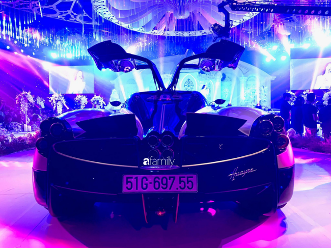 Đại gia Minh Nhựa dùng siêu xe 80 tỷ đưa con gái vào tận lễ đường khiến bao khách mời sốc không nói nên lời!-5