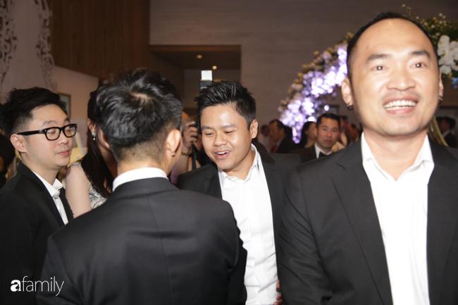 Dàn khách mời cực khủng với Trấn Thành làm MC, đại gia Phan Thành, Ưng Hoàng Phúc,... đều đến chúc mừng ái nữ Minh Nhựa-10