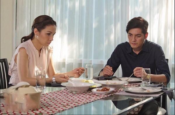 """Đưa bồ nhí đi ăn nhà hàng sang chảnh, anh chồng tiếc của mang đồ thừa về cho vợ con và phản ứng của vợ khiến anh sáng mắt""""-2"""