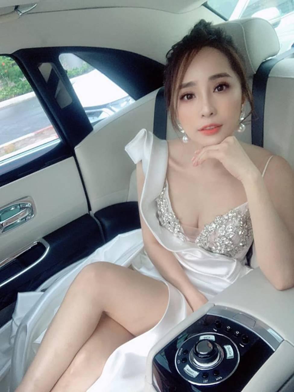 Sao nữ Việt sau ly hôn: Cá sấu chúa Quỳnh Nga có táo bạo nhất?-10