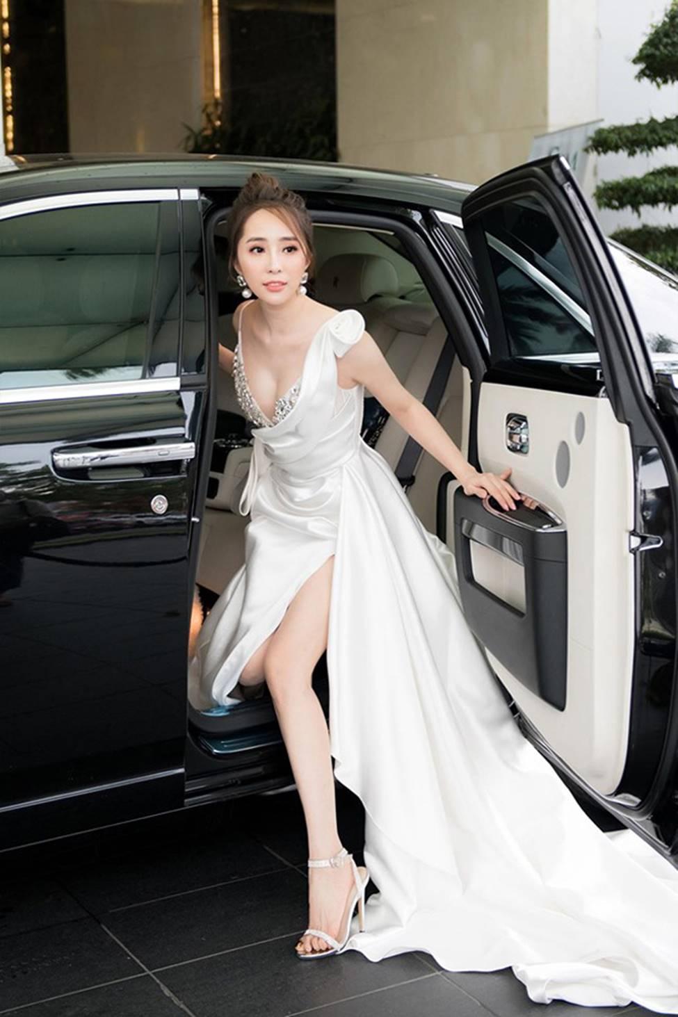 Sao nữ Việt sau ly hôn: Cá sấu chúa Quỳnh Nga có táo bạo nhất?-9