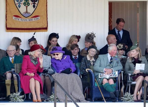 Sau khi bị cháu dâu Meghan Markle hắt hủi lời mời, Nữ hoàng Anh tìm niềm vui mới bên nhân vật không ngờ tới nhất-2