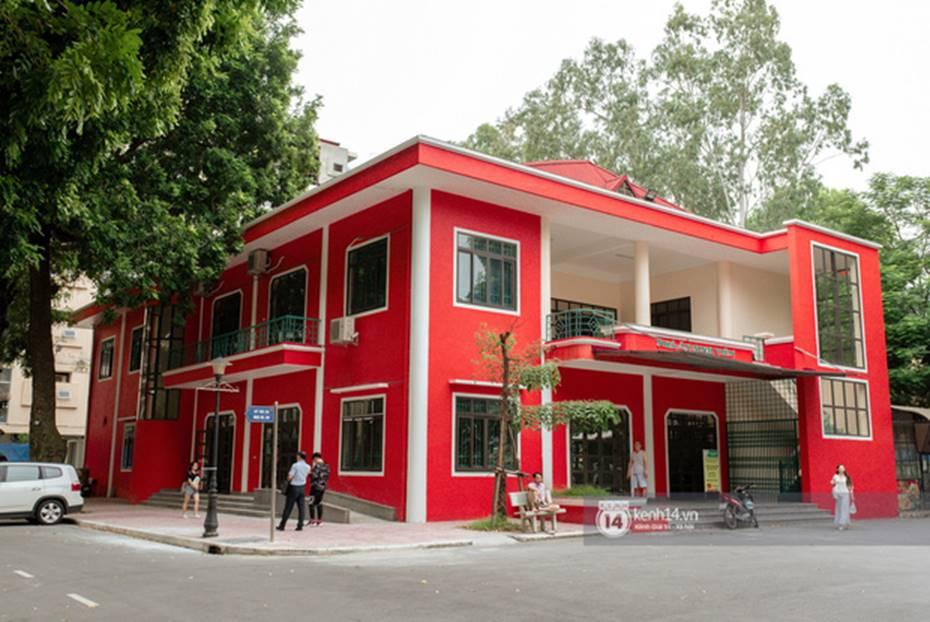 Đang yên đang lành đi sơn mỗi toà một màu sắc, đủ cả xanh đỏ tím vàng: ĐH Hà Nội muốn trở thành trường màu mè hoa lá nhất Việt Nam?-3