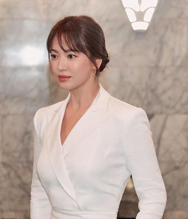 Loạt ảnh chính thức của Song Hye Kyo tại sự kiện quốc tế ở Mỹ: Cố gồng làm gì, chị xuất thần nhất là khi sương sương!-7