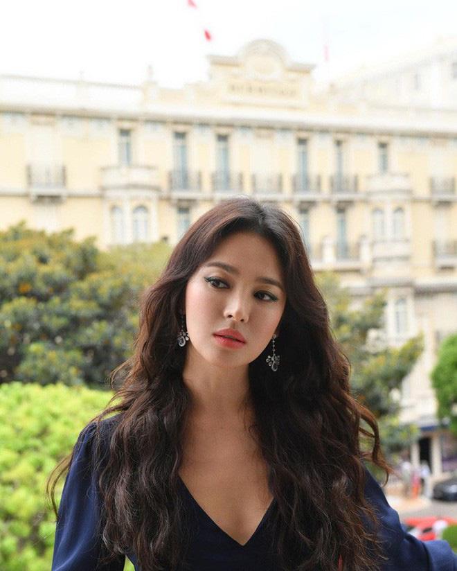 Loạt ảnh chính thức của Song Hye Kyo tại sự kiện quốc tế ở Mỹ: Cố gồng làm gì, chị xuất thần nhất là khi sương sương!-9