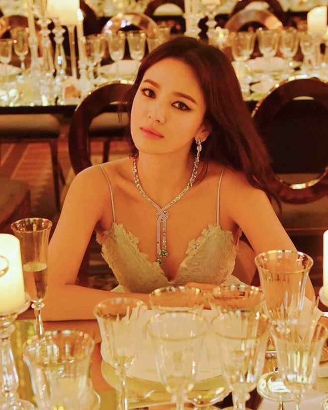 Loạt ảnh chính thức của Song Hye Kyo tại sự kiện quốc tế ở Mỹ: Cố gồng làm gì, chị xuất thần nhất là khi sương sương!-11