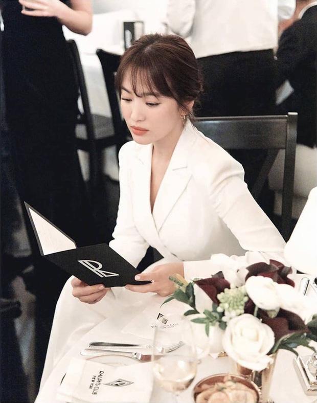 Loạt ảnh chính thức của Song Hye Kyo tại sự kiện quốc tế ở Mỹ: Cố gồng làm gì, chị xuất thần nhất là khi sương sương!-4