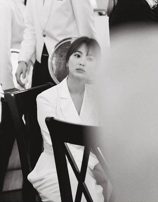 Loạt ảnh chính thức của Song Hye Kyo tại sự kiện quốc tế ở Mỹ: Cố gồng làm gì, chị xuất thần nhất là khi sương sương!-2