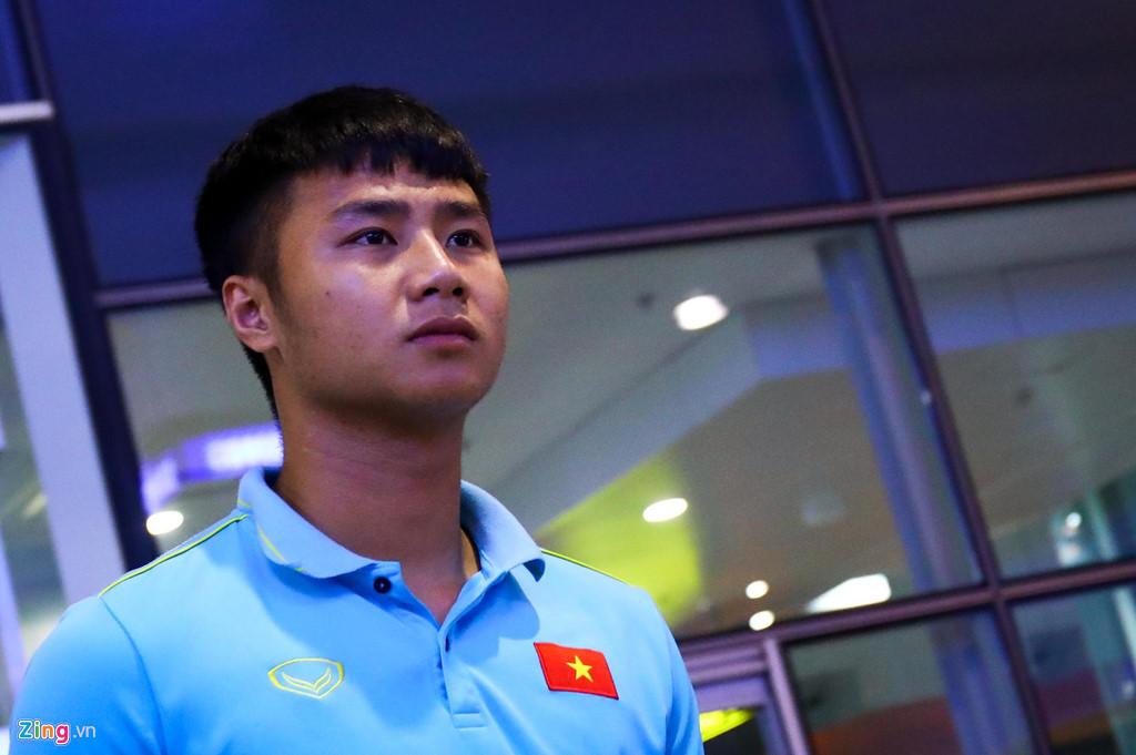 Thủ môn U22 Việt Nam suýt bị bỏ lại ở sân bay Nội Bài-5