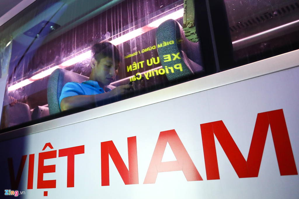 Thủ môn U22 Việt Nam suýt bị bỏ lại ở sân bay Nội Bài-9