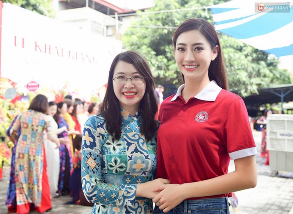 Hoa hậu Lương Thùy Linh đẹp xuất sắc trong ngày khai giảng Ngoại thương, khẳng định chưa có ý định Nam tiến để tập trung cho học tập-8