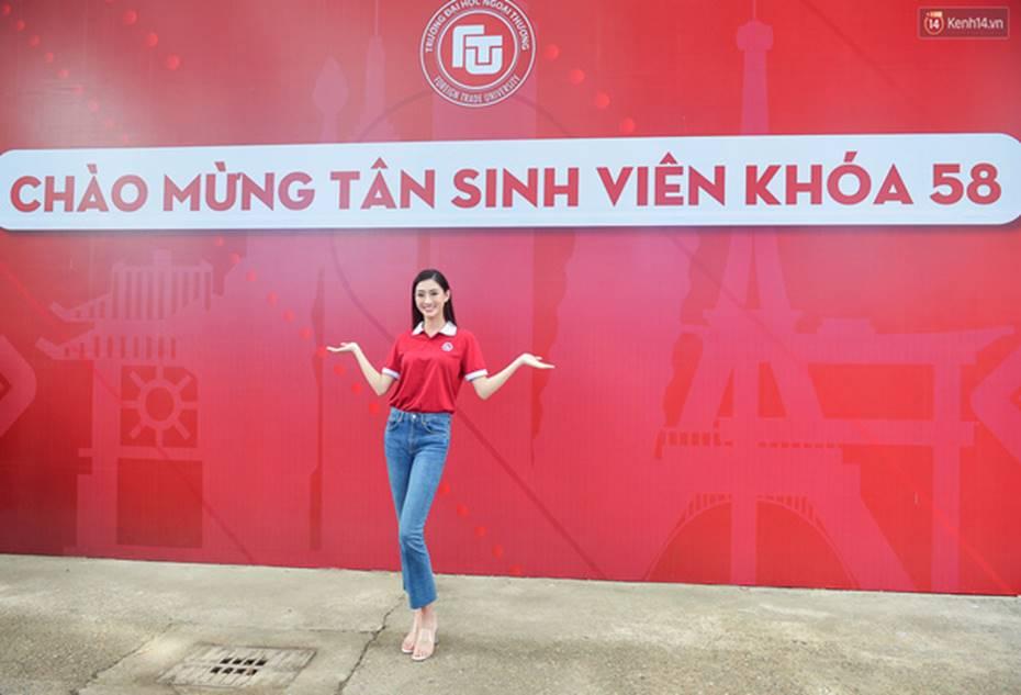 Hoa hậu Lương Thùy Linh đẹp xuất sắc trong ngày khai giảng Ngoại thương, khẳng định chưa có ý định Nam tiến để tập trung cho học tập-13