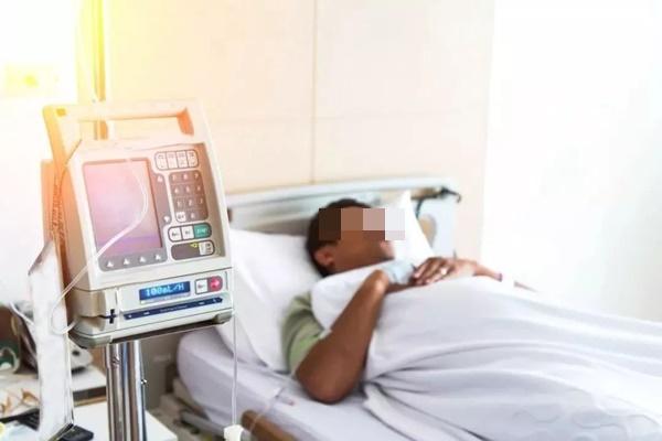 Người đàn ông mới 30 tuổi bị đột quỵ 2 lần trong vòng 4 năm, thủ phạm là loại đồ uống rất nhiều người thích-1