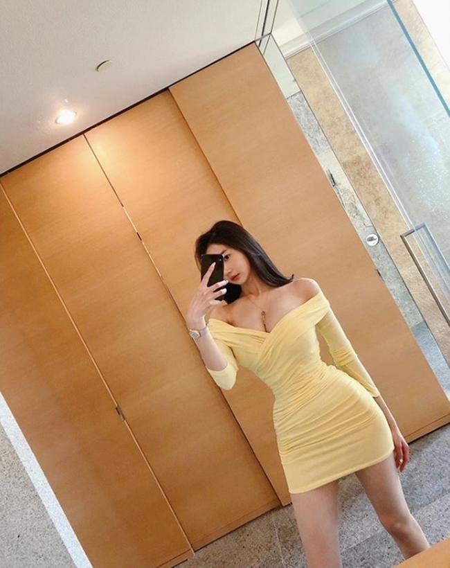 2 tiểu thư thành thị, giàu có nổi tiếng xứ Hàn diện toàn váy, bikini đắt tiền-8