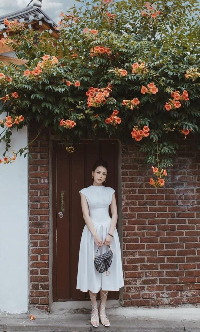 Quỳnh Anh Shyn, Chi Pu rủ nhau mặc bikini, Châu Bùi diện toàn đồ hiệu-11