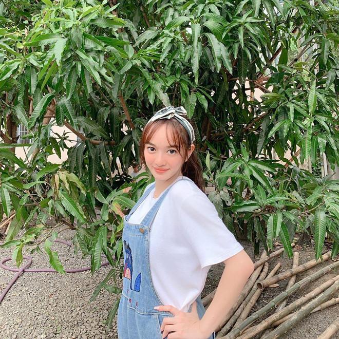Quỳnh Anh Shyn, Chi Pu rủ nhau mặc bikini, Châu Bùi diện toàn đồ hiệu-9