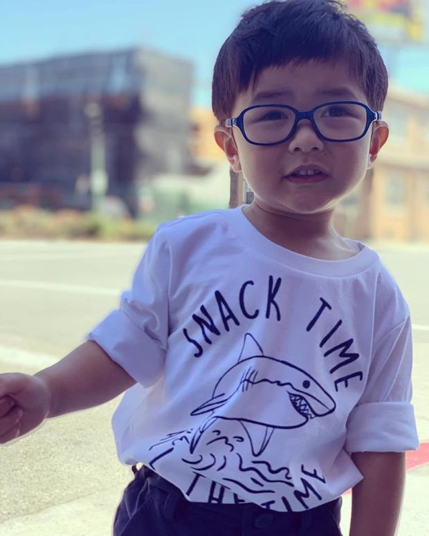 Dù mới 2 tuổi nhưng con trai Đan Trường đã được mẹ đầu tư học 4 ngoại ngữ-4