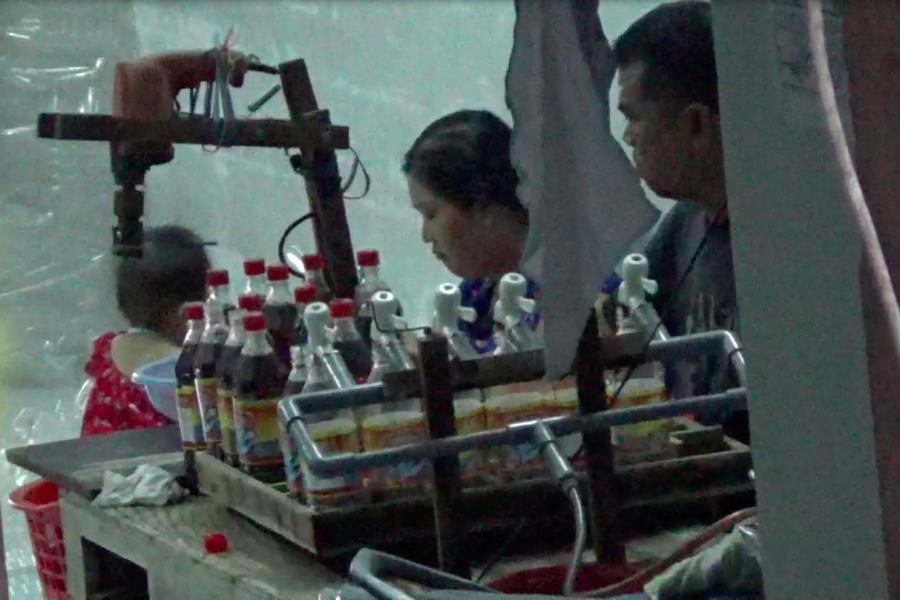 Dùng nước lã, phụ gia, chế nước mắm giàu đạm-2