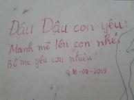 """Xúc động những dòng thư trên bức tường loang lổ ngoài phòng mổ của viện E: """"4 lần mẹ phải ở đây chờ con rồi, con ơi...'"""