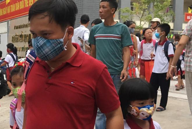 Đề nghị Sở GD&ĐT Hà Nội cho học sinh nghỉ sau vụ cháy Rạng Đông-1