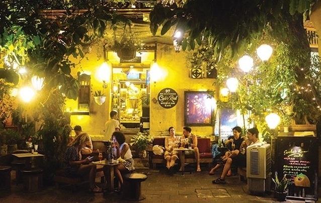 Lùm xùm quán cà phê Hội An bị tố đuổi khách Việt, chỉ phục vụ Tây-1