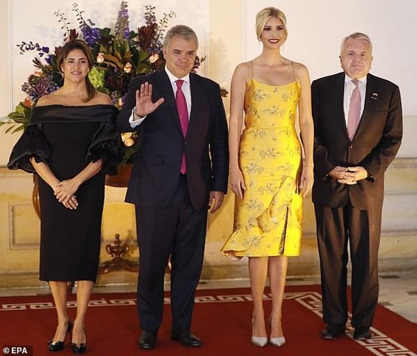 Ivanka Trump ngày một nhuận sắc, gợi cảm trong chiếc váy hai dây sang chảnh, khiến đấng mày râu phải liếc nhìn-1